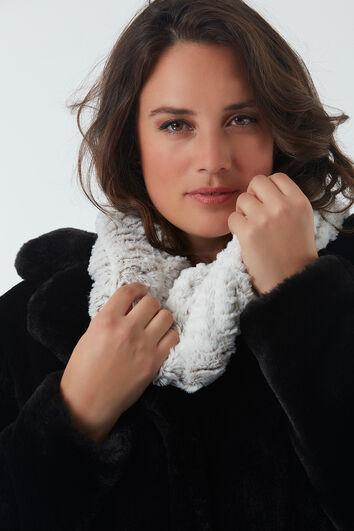 Rollkragen-Schal aus Kunstfell
