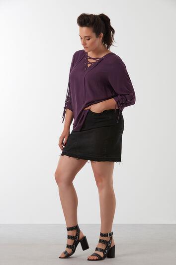 Einfarbige Bluse mit Schnür-Details