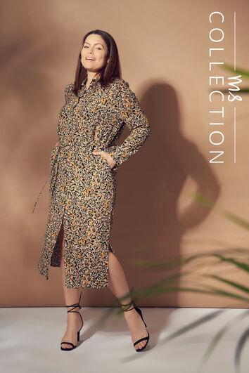 Langes Kleid mit Kordelgürtel