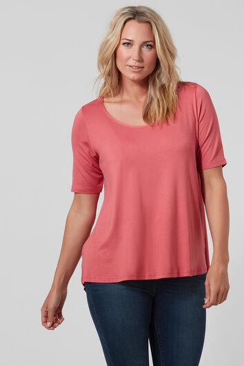 Schlichtes T-Shirt mit leicht abfallendem Saum
