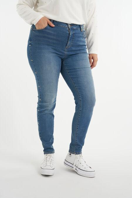 Jeans mit Nieten
