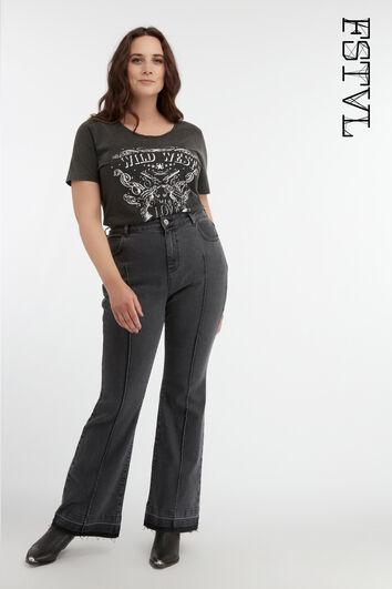 Ausgestellte Jeans mit hoch geschnittener Taille