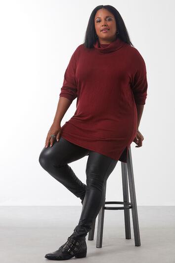 Langer Pullover mit weitem Rollkragen
